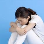 胸焼けでムカムカして吐き気がする症状の原因は逆流性食道炎!