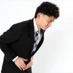 食後に腹痛や吐き気の症状が続く時は急性膵炎かも!原因はコレ